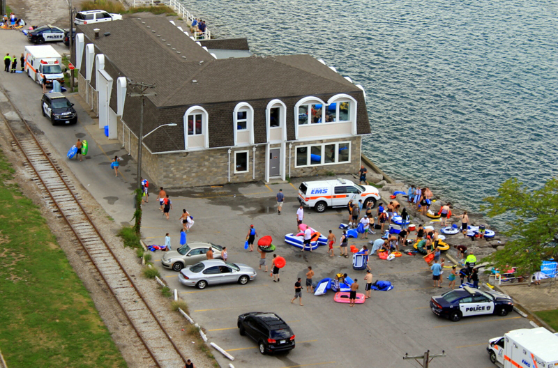Uh, Oh, Canada: 1500 people on rafts returned to MI