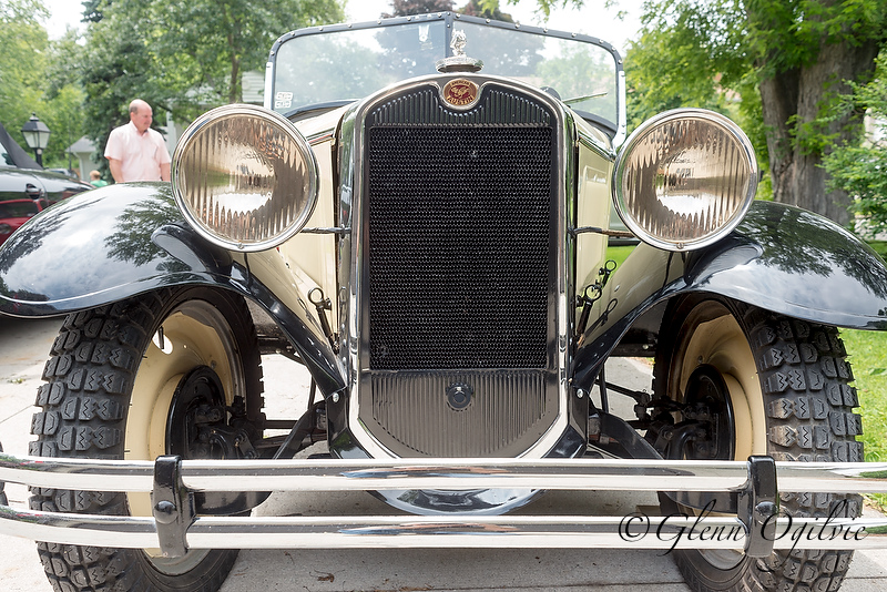 The gravity-feeed gas tank of the '32 Roadster is located above the driver's knees. Glenn Ogilvie