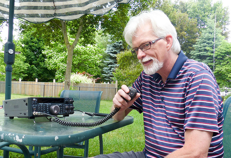 Amateur radio operators band together with regular frequency